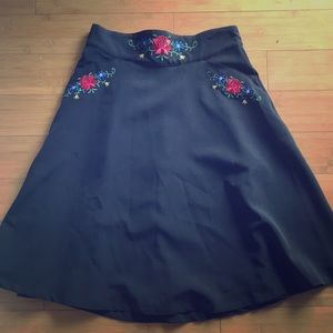 Dresses & Skirts - Tyrolean embroidered folkloric A line skirt